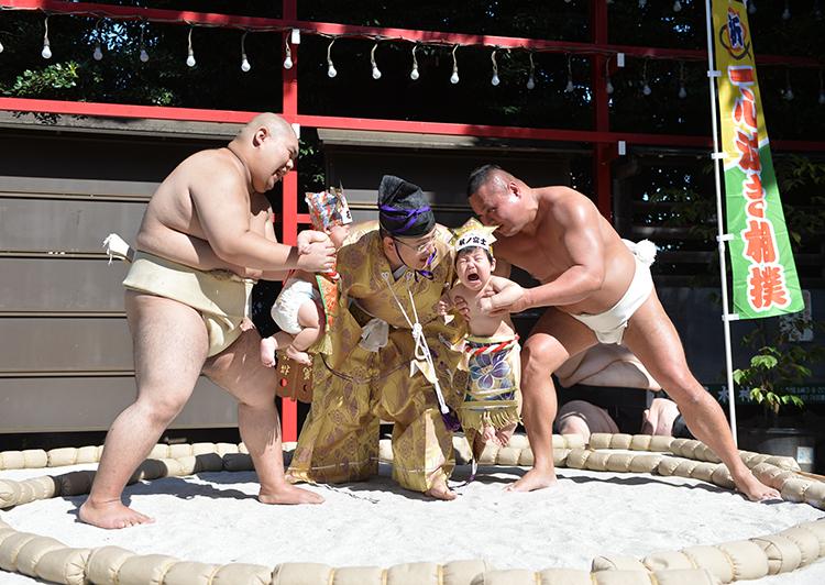 居木神社一心泣き相撲