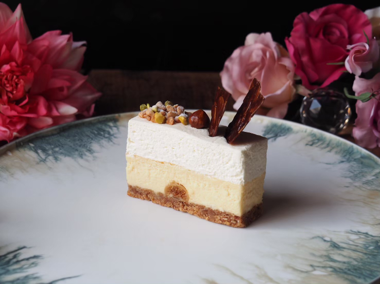 「カマンベールとマスカルポーネクリームの2層チーズケーキ」